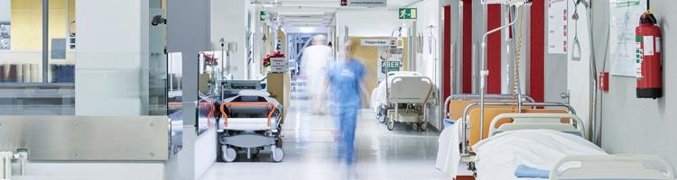 Foto es eines Krankenhausflurs